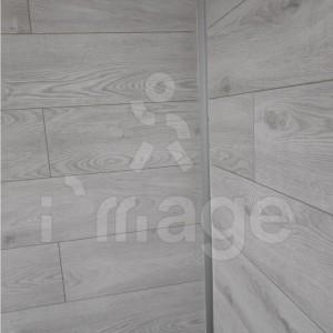 Ламинат-альтернатива стеновым панелям-10