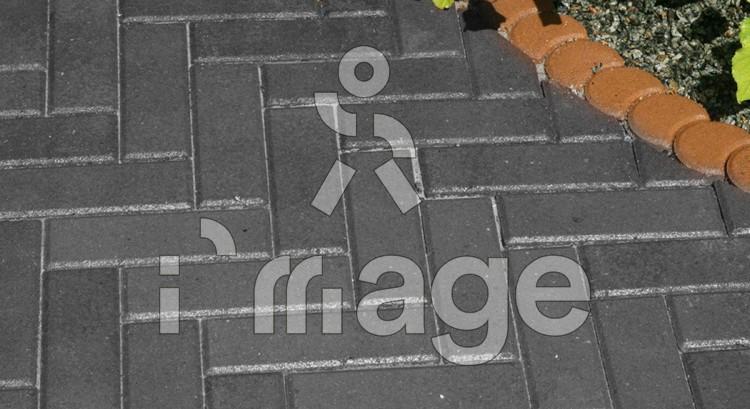 Тротуарна плитка цегла вузька сіра 210*70 мм